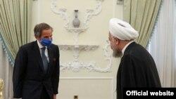Шефот на МААЕ, Рафел Гроси и иранскиот претседател Хасан Рохани.