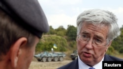 Sekretari britanik i Mbrojtjes, Michael Fallon.