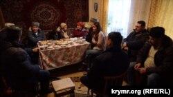 Активісти в домі матері Володимира Балуха