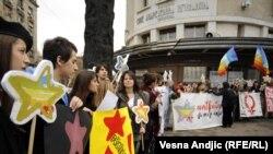 Aktivisti obeležavaju Dan borbe protiv fašizma, novembar 2010.