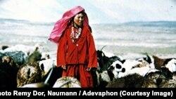 Оогандык кыргыз кыз, Реми Дор/Науманн тарткан сүрөт 1970-жылдар