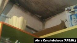 Плесень в ванной комнате в квартире Эльмиры Тундибаевой. Алматы,10 января 2015 года.