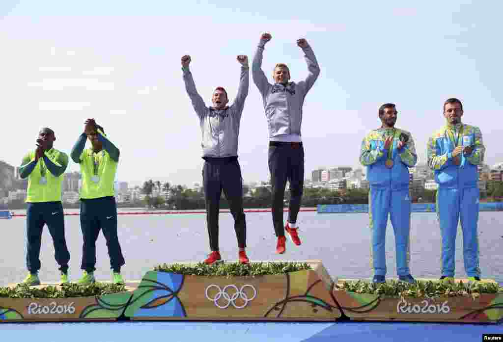 Дмитрий Янчук и Тарас Мищук стали бронзовыми призерами Рио-2016 в соревновании каное-двоек на дистанции 1000 метров