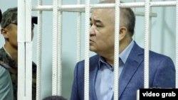 Омурбек Текебаєв у суді Бішкека, 5 червня 2017 року