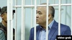 Омурбек Текебаев на судебном заседании.