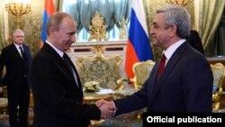 Встреча президентов Армении и России - Сержа Саргсяна и Владимира Путина - в Москве, 8 мая 2014 г.