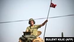 Türkiyə ordusu Suriyaya ilə sərhəddə.