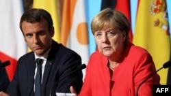 Presidenti francez, Emmanuel Macron dhe kancelarja gjermane, Angela Merkel, foto nga arkivi