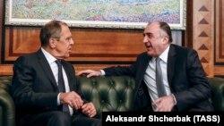 Sergey Lavrov (solda) və Elmar Məmmədyarov