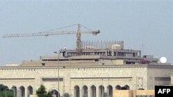 مجمّع السفارة الأميركية في بغداد أثناء بنائه