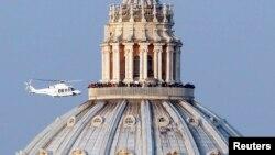 Vatikan - Helikpteri i cili e barte Benedictin për në Kështjellën Gandolfo