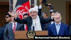Owganystanyň prezidenti Aşraf Gani inaugurasiýa dabarasynda çykyş edýär. 9-njy mart, 2020 ý. Kabul