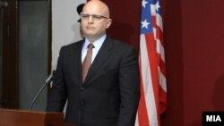 Заменик-помошникот државен секретар за Европа и Евроазија на САД Филип Рикер.