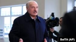 Բելառուսի նախագահ Ալեքսանդր Լուկաշենկոն այցելում է Դոբրուշի թղթի գործարան, 4-ը փետրվարի, 2020թ.