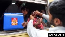 پاکستان کې د پولیو واکسین کمپاین
