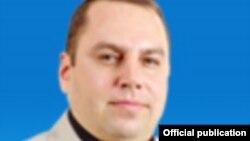 Бишкек шаардык кеңештеги КСДП фракциясынын депутаты Артем Иванов. Сүрөт: www.gorkenesh.kg сайтынан алынды