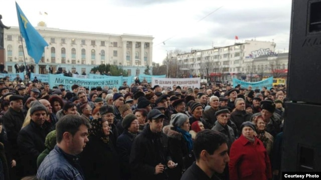 Thousands rallied in Simferopol on December 10 to demand the 'revival of Crimean Tatars' rights'