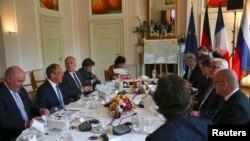 Во время встречи министров в Берлине, 11 мая 2016 года