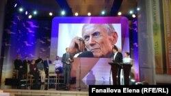Но в том, что Евгений Евтушенко любил Абхазию, сомневаться не приходится