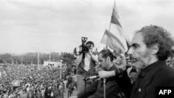 Elçibəy ötən sərin 80-ci illərinin sonlarında başlanan xalq azadlıq hərəkatının liderlərindən biri olub