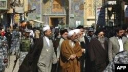 هیئتی ایرانی در شهر نجف عراق.