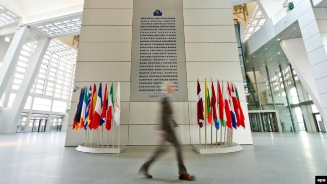 Od stvaranja evrozone, njene zemlje članice su preduzele mnogobrojne korake da ojačaju njenu otpornost na krize