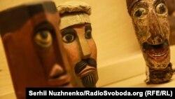Ляльки-голови Меженірського лялькового театру