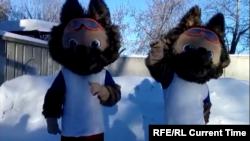 Ростовые куклы, похожие на волка Забиваку.