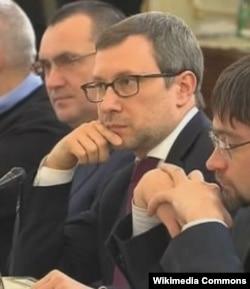 Алексей Чеснаков в 2001-2008 был Заместителем начальника Управления внутренней политики Президента РФ