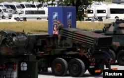 Выставка вооружений армии Польши в Варшаве на время саммита НАТО. 7 июля