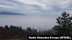 Архива: Скопје не се гледа од Водно поради маглата.