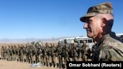 جنرال جان نېکلسن په افغانستان کې د ټولو بهرنیو سرتېرو قومندان دی