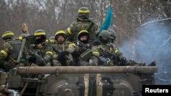 Дебальцево тирәсендә Украина хәрбиләре. 10 февраль 2015
