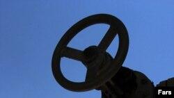 Цены на нефть будут падать и дальше, предсказывают многие иностранные эксперты