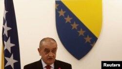 Новий прем'єр-міністр Боснії й Герцеґовини В'єкослав Беванда промовляє в парламенті 12 січня 2012 року