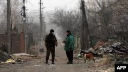На одной из улиц Донецка. Декабрь 2014 года