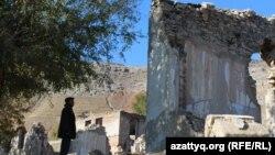 Территория бывшего полиметаллического комбината в Ащысае. Южно-Казахстанская область, 5 октября 2017 года.
