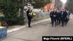 Predstavnici Srpske liste na pomenu Oliveru Ivanoviću u Severnoj Mitrovici