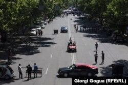 Одна из центральных улиц Еревана, перекрытая протестующими