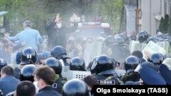 Протестите за забраните поради ковид-19 се шират низ целиот свет