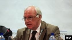 Министерот за правда Михајло Маневски