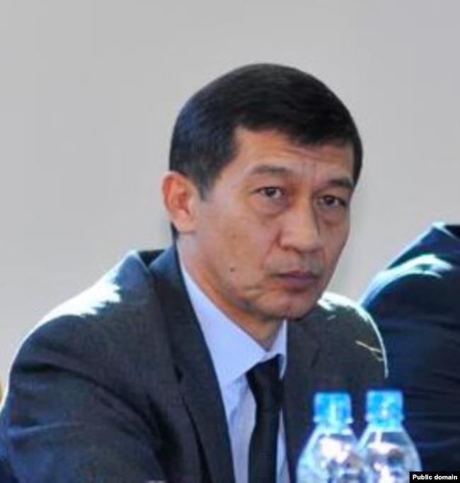 Президент погонини юлган генерал¸ собиқ Ички ишлар вазири Адҳам Аҳмадбоев.