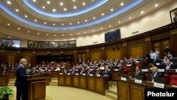 10 պատգամավորներ ԱԺ նախագահից Երևանում բնակարան վարձակալելու գումար են խնդրել