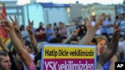 Demonstrues pro-kurdë me slogane kundër qeverisë