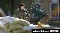 Український військовий в Сімферополі