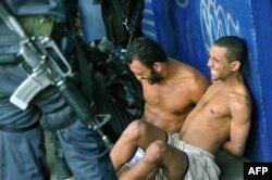 Двух бандитов полиции удалось арестовать живыми