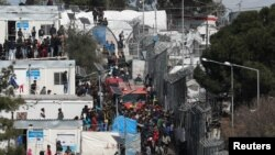 کمپ موریا بیشترین تعداد پناهجویان را در خود جای داده است