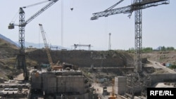 Камбар-Ата-2 ГЭСиндеги курулуш. (архивдик сүрөт)