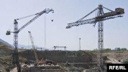 Камбар-Ата ГЭСинин курулушу.