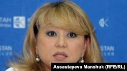 Қазақстандағы адам құқығын қорғау бюросының жетекшісі Роза Ақылбекова. Алматы, 26 маусым 2013 жыл.